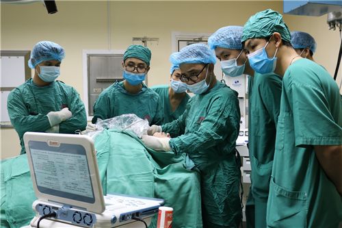 BV VN-TĐ Uông Bí: Lần đầu tiên triển khai điều trị u tuyến giáp bằng sóng cao tần