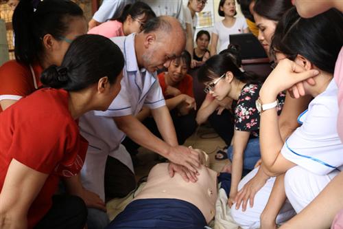 Đào tạo, hỗ trợ cho các cơ sở y tế tuyến trước