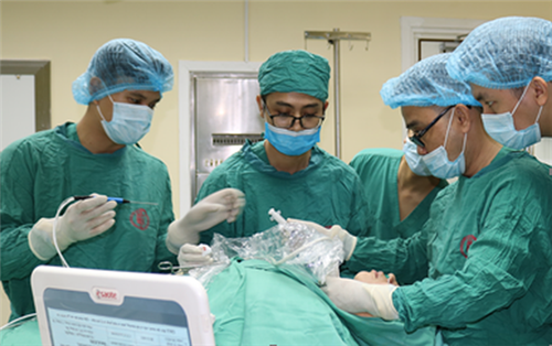 Quảng Ninh: Lần đầu triển khai điều trị u tuyến giáp bằng sóng cao tần