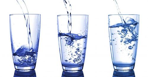 Người bệnh nên uống nước như thế nào?