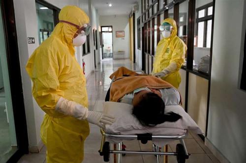 Điều gì xảy ra với cơ thể khi bị nhiễm COVID-19?