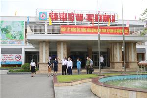 Đoàn công tác tỉnh Quảng Ninh chỉ đạo công tác phòng chống dịch COVID-19 tại Bệnh viện Việt Nam - Thụy Điển Uông Bí