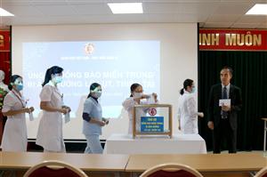 Kỷ niệm 90 năm ngày thành lập Hội Liên hiệp Phụ nữ Việt Nam: Bệnh viện Việt Nam – Thuỵ Điển Uông Bí hướng về đồng bào miền Trung