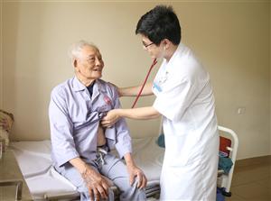 Cứu sống cụ ông 93 tuổi bị nhồi máu cơ tim