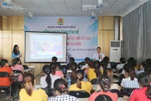 Tư vấn sức khỏe sinh sản cho nữ công nhân Công ty TNHH Sao Vàng - Chi nhánh Uông Bí