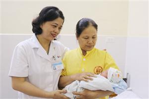 Cứu sống sản phụ và thai nhi sau khi bị ô tô đâm phải