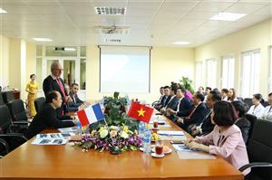 Đoàn Chuyên gia Cộng hòa Pháp làm việc tại Bệnh viện