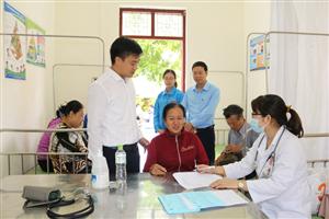 Tiếp tục chương trình khám sức khỏe cộng đồng tại phường Phương Đông