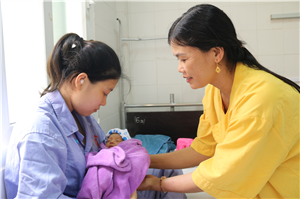 Cứu sống con, bảo tồn tử cung cho sản phụ bị rau bong non thể nặng