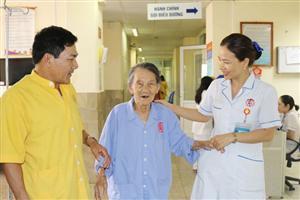 Phẫu thuật cắt ruột thừa cho cụ bà 101 tuổi