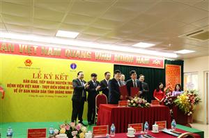 Lễ ký kết bàn giao, tiếp nhận nguyên trạng Bệnh viện Việt Nam - Thuỵ Điển Uông Bí thuộc Bộ Y tế về UBND tỉnh Quảng Ninh quản lý
