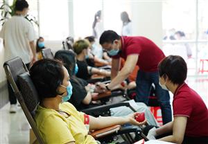 Chống dịch hiệu quả, cấp máu an toàn