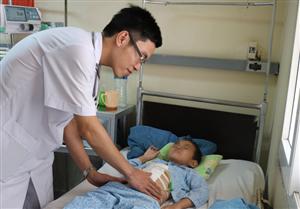 Cấp cứu trường hợp bệnh nhi bị sốc đa chấn thương