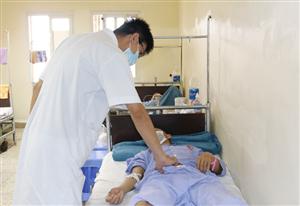 Hoại tử vùng hậu môn vì chữa bệnh trĩ bằng thuốc nam