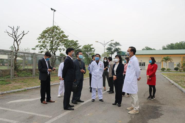 Đoàn công tác Tỉnh Quảng Ninh kiểm tra khu vực cách ly điều trị cho người bệnh nghi nhiễm, nhiễm nCoV