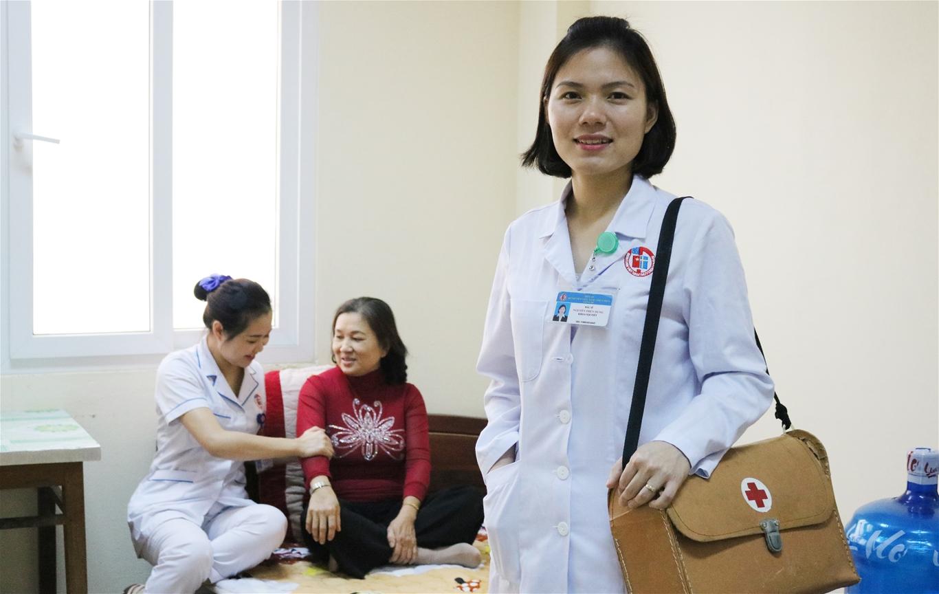 Triển khai dịch vụ khám sức khỏe tại cộng đồng, tạo điều kiện để người dân được chăm sóc sức khỏe mọi lúc, mọi nơi